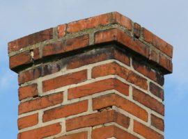 Ocieplanie komina – co warto wiedzieć i czego użyć do wykonania?